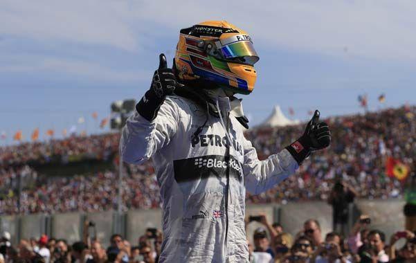 Pulgar en alto. El Mercedes esta vez no le dio dolores de cabeza en carrera a Lewis.