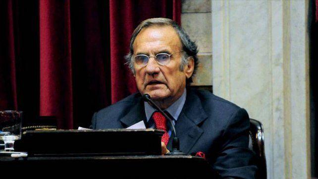 El senador y ex gobernador Carlos Reutemann se sometió a estudios médicos ya programados