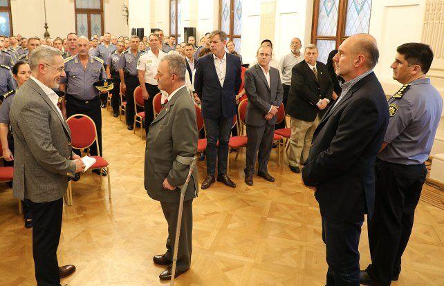 El ministro Saín le tomó juramento al jefe de policía que había elegido el gobernador Perotti.