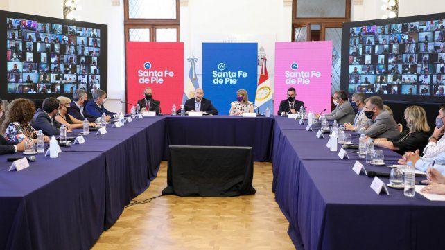 Fuerte consenso entre Perotti y los intendentes para llegar a una ley de autonomía municipal