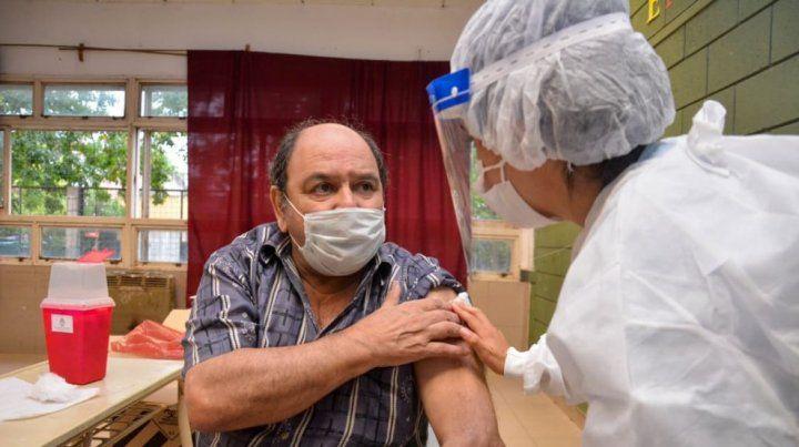 El gobierno apuesta a incrementar la vacunación.