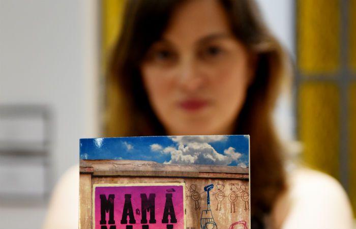 """El libro """"Mamá mala"""" nació como posteo de Facebook."""