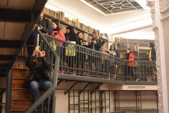 Luces, música y acrobacias en la reinauguración de la Biblioteca Argentina