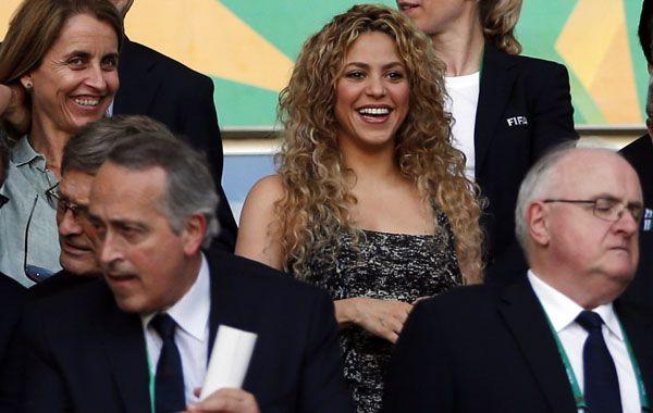 La cantante colombiana estuvo en la tribuna alentando al equipo de su pareja. (Foto: AP)