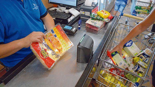 Precios. El rubro alimentos evolucionó en mayo por debajo del promedio general de la inflación.