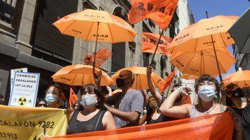 Manifestación de los trabajadores de la salud, SIPRUS y ATE, ,exigiendo mejores condiciones salariales y laborales además de vacantes en el sistema de salud.