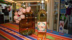 Rosario tiene su propia marca de caña con ruda, un homenaje a la Pachamama.