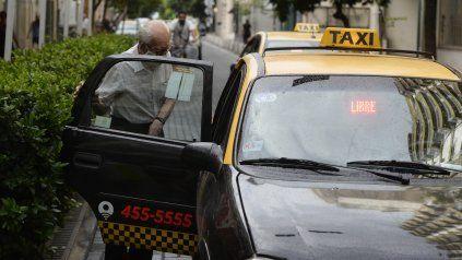 Los aumentos de costos y la inflación repercuten en las tarifas de taxis.
