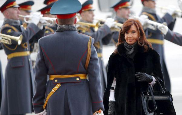 De visita. Cristina llegó ayer a Moscú para iniciar su gira de dos días.