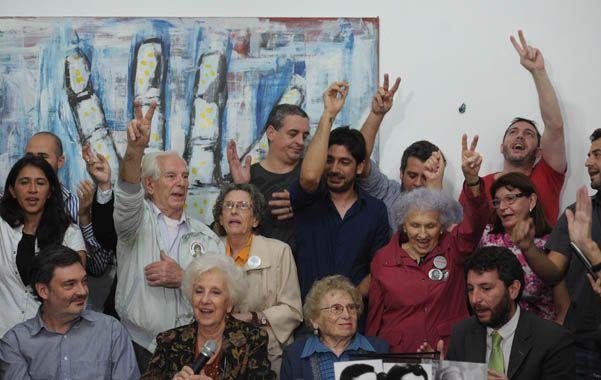 Alegría. Carlotto anunció la recuperación del nieto 115 y narró los antecedentes de la familia de Ana Libertad.
