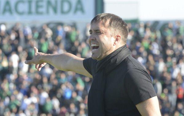 El DT canalla confía en recuperar futbolísticamente a Barrientos si llega a Central.