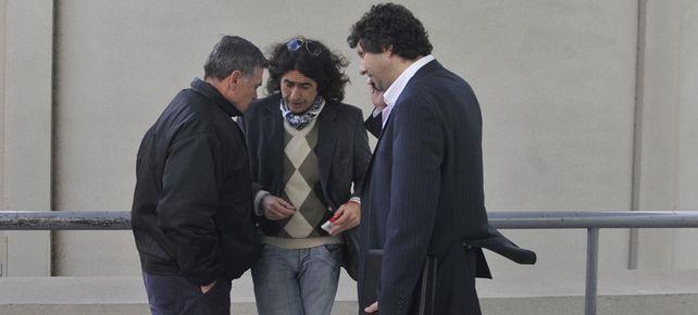 Alberto Perassi, con los abogados querellantes.