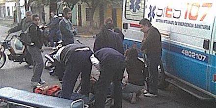 Dos motociclistas heridos en un choque en zona sur de Rosario