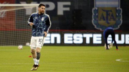 Messi, en una de las últimas prácticas del plantel dirigido por Lionel Scaloni.