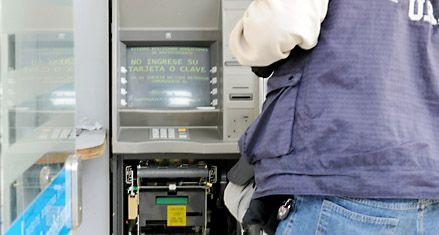 Robo a cajeros automáticos: analizan dos golpes previos en el sur provincial
