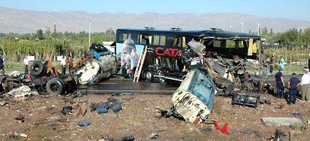 Nueva tragedia en una ruta: ocho muertos en un choque en San Juan