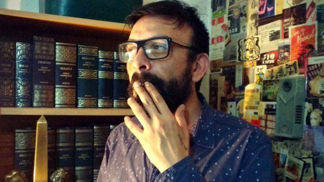 Golpes, balas y homofobia: fuertes ataques a un dramaturgo rosarino