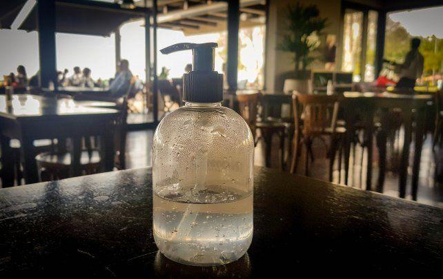 El alcohol en gel es un elemento esencial para la higiene demanos en medio de la pandemia de coronavirus.