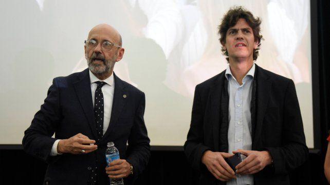 Conferencia. El rector Floriani y Lousteau