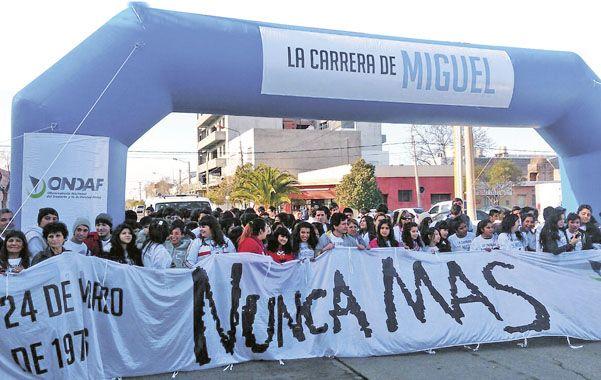 El Día Nacional de la Memoria en el Deporte tiene como objetivo evocar a los deportistas víctimas de la dictadura a partir de la realización de la Carrera de Miguel.