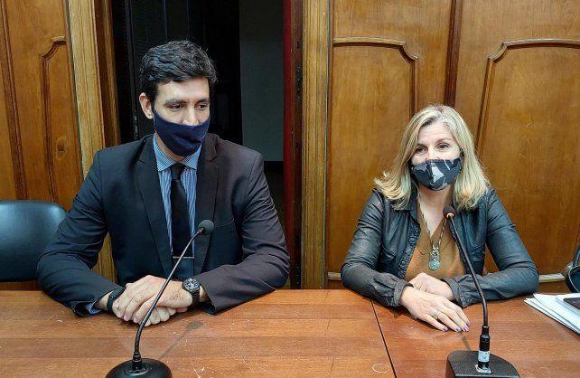 Los fiscales Ana Laura Gioria y Martín Torres formularon las acusaciones en el juicio.