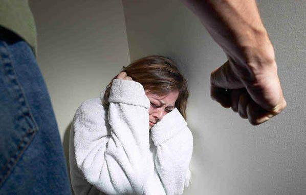 Salud pública. El 35% de las mujeres sufren violencia interna o externa.