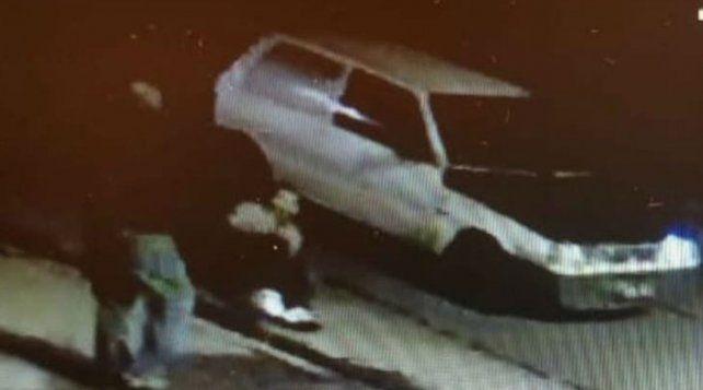 El testigo del hecho que se produjo en Quilmes pasó en un Fiat Uno.
