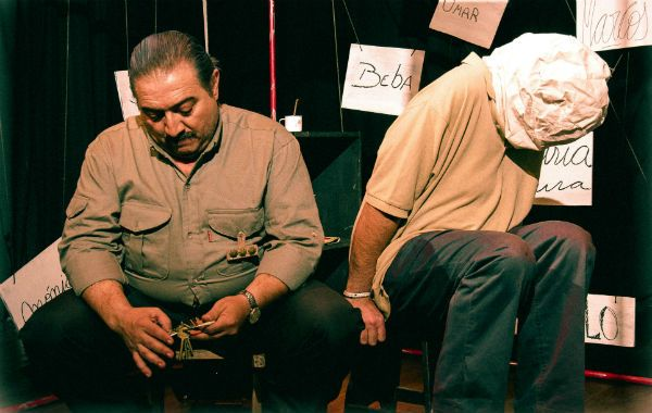 Elenco. Los rosarinos Guillermo Almada y Julio Chianetta protagonizan esta historia dirigida por Eduardo Ceballos.