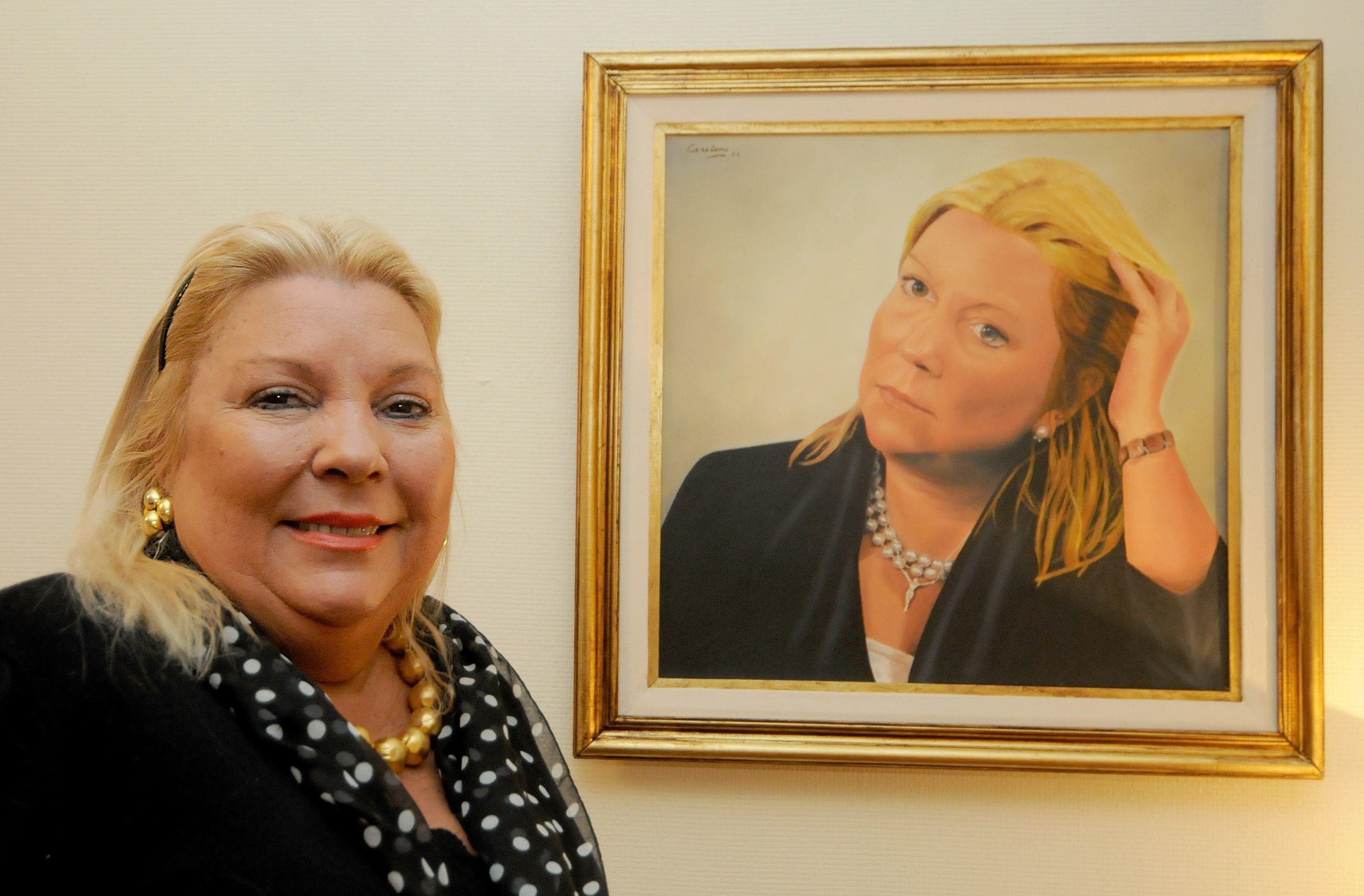La legisladora Elisa Carrió reveló que fue amenzada.
