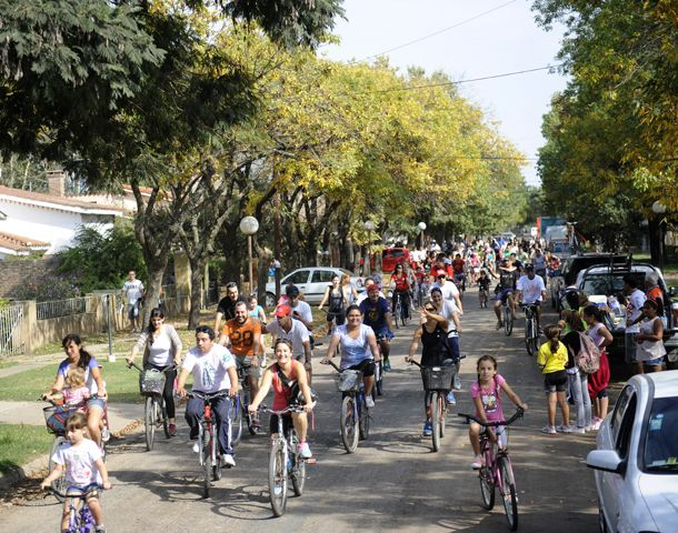 La Segunda Fiesta del Día Mundial de la Bicicleta convocó a chicos y grandes. (Foto: V. Benedetto)