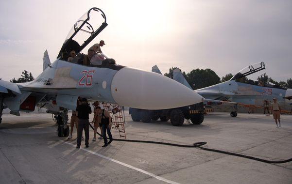 Sin pausa. Cazabombarderos rusos Su-30 en la base de Hemeimeem
