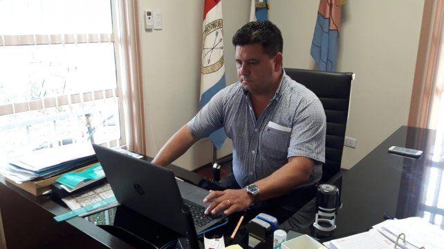 El presidente comunal Silvio Garbolino inició charlas con inversores argentinos para construir un hotel termal en Melincué.