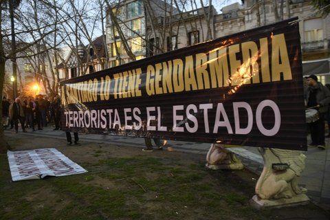 en rosario. Una de las marchas de organismos de derechos humanos por la aparición con vida de Santiago.