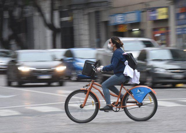 La bicicleta cobró protagonismo en la ciudad desde que desató la pandemia de coronavirus.