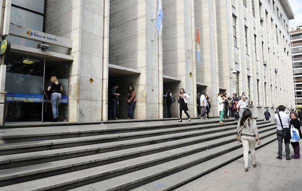 Malestar en Tribunales porque una desinteligencia puso en libertad a un joven apresado ayer en Las Flores acusado de ser un sicario. (N.Juncos / La Capital)