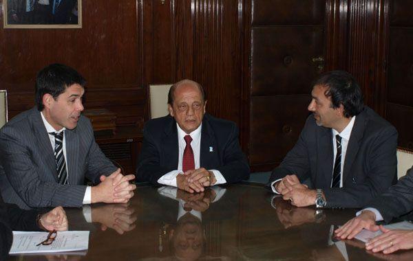 Ramos asistió a la firma del convenio entre Mussi