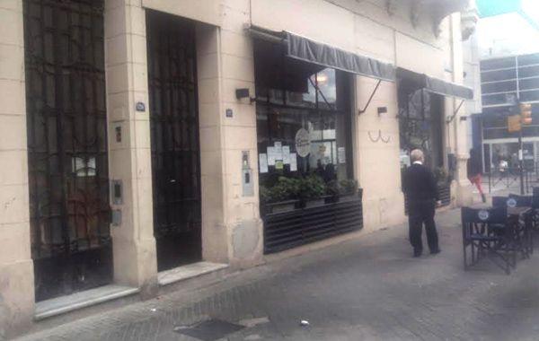La esquina de Mitre y Pellegrini donde ocurrió el lamentable episodio. (Foto:S.Meccia)