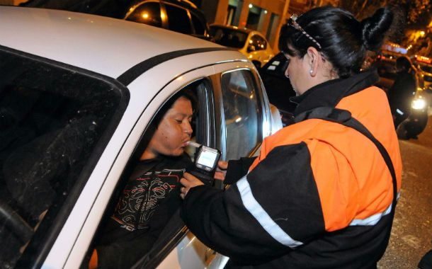 Conciencia al volante. El municipio viene incrementando los controles de alcoholemia durante las noches.