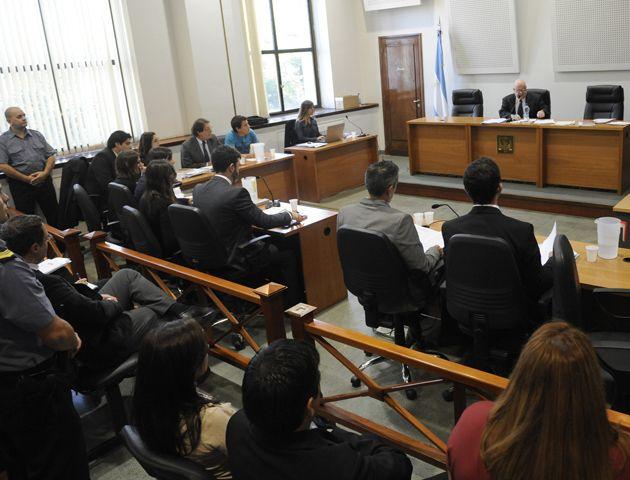 Las audiencias serán acompañadas por una concentración en las puertas de Tribunales de los familiares y amigos de las víctimas. (Foto: Virginia Bendetto / La Capital)