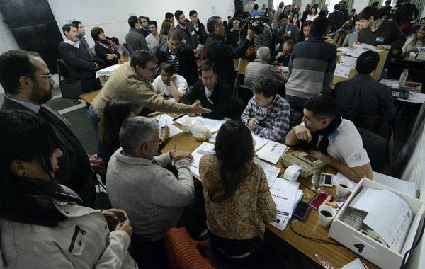 El Tribunal Electoral de Santa Fe tuvo hoy su primera jornada de recuento de votos.
