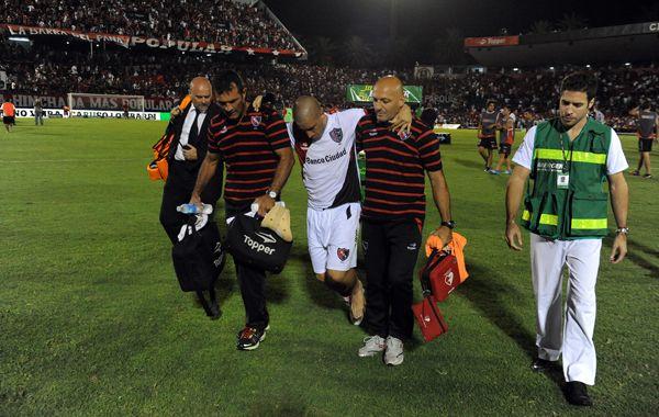 Fattori dejó la cancha en medio de los aplausos de los hinchas rojinegros. (foto: Alfredo Celoria)