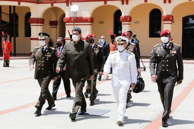 Maduro con la cúpula militar