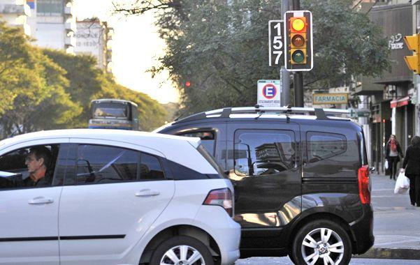 Fotomultas. Las infracciones captadas por los semáforos con cámaras van en ascenso. La falta más detectada es el exceso de velocidad. (foto: Alfredo Celoria)