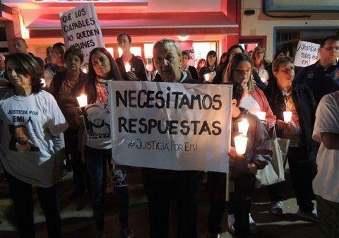reclamos. Familiares y allegados a Emiliano realizaron manifestaciones para exigir por el esclarecimiento del asesinato.