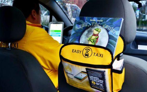 La aplicación consiste en solicitar una taxi mediante el celular.