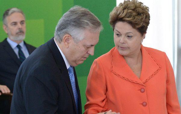 Relevo. La presidenta Rousseff pone en funciones al nuevo canciller.