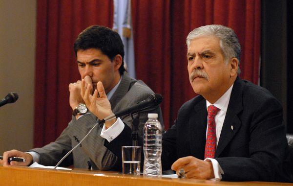El anuncio de la quita de la concesión a TBA estuvo a cargo del ministro De Vido.