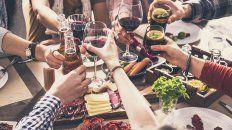 Las reuniones sociales podrán incluir a 10 personas, tanto en domicilios como en los espacios públicos.