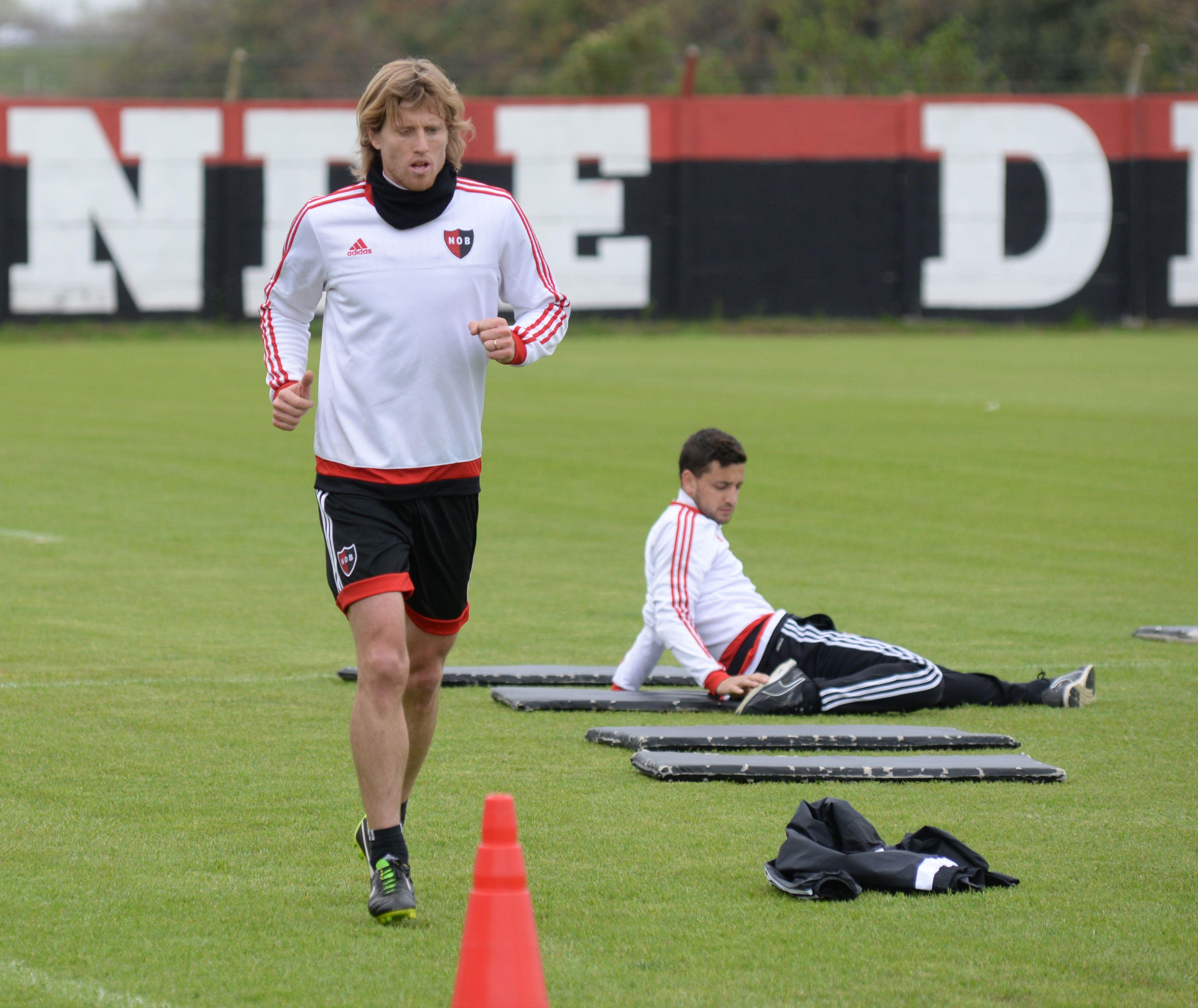 El cinco. Mateo reemplazó a Maxi Rodríguez el sábado cuando el entrenador bajó las persianas del partido.
