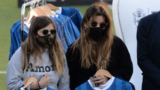 Dalma y Gianinna pidieron ser querellantes por la muerte de Maradona
